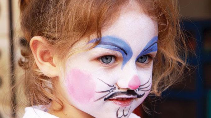 Festivals draw families into art